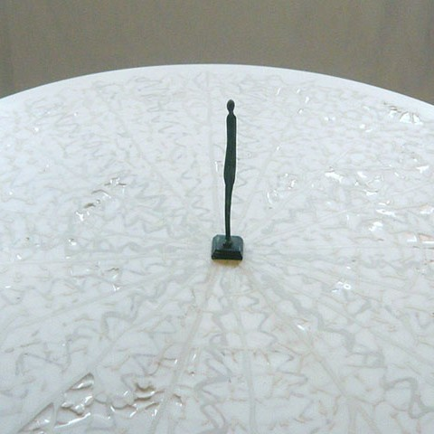 'Frozen lace' table